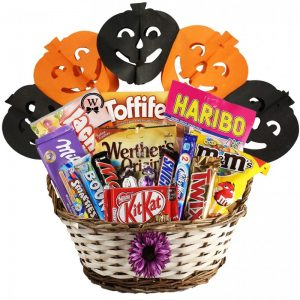 Best Treats Basket – Halloween Gift Basket