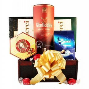 The Touch of Dufftown – Glenfiddich – Rosh Hashanah Gift Basket Europe