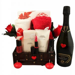 Love Sparkling Senses – Luxury Spa and Care Gift Basket