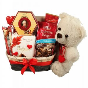 Sweet Teddy Devotion – Chocolate Gift Hamper
