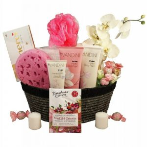 Sasha's Pink Sweet Aromatic Love Boat – Spa Gift Basket